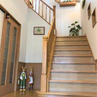 幅1.2mのゆとりある階段(内装)